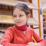 Детям школьного возраста выплатят по 10 тысяч в августе