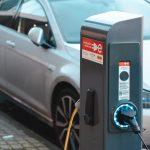 Банки в России начали выдавать льготные кредиты на покупку электромобилей в 2021 году