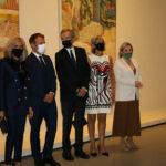 Макрон и Любимова открыли в Париже выставку живописи из собрания российских музеев