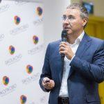 Фальков считает, что тотальное дистанционное обучение в вузах снижает качество образования
