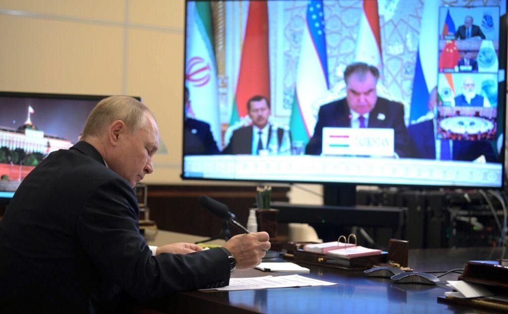 Путин назвал цифровизацию одним из стимулов экономического роста