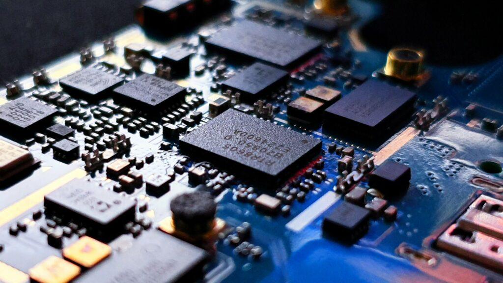 Кабмин утвердил правила господдержки на закупку отечественной радиоэлектроники