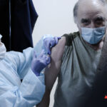 Пожилые москвичи получат компенсацию в десять тысяч рублей за вакцинацию от COVID-19