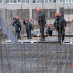Кабмин РФ утвердил пилотный проект по ввозу строителей из Узбекистана